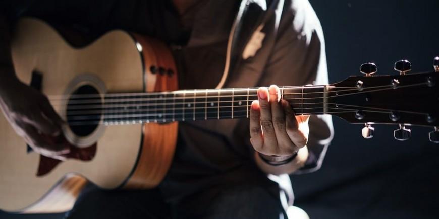 Confinement : Fender offre 3 mois de leçons aux plus chanceux