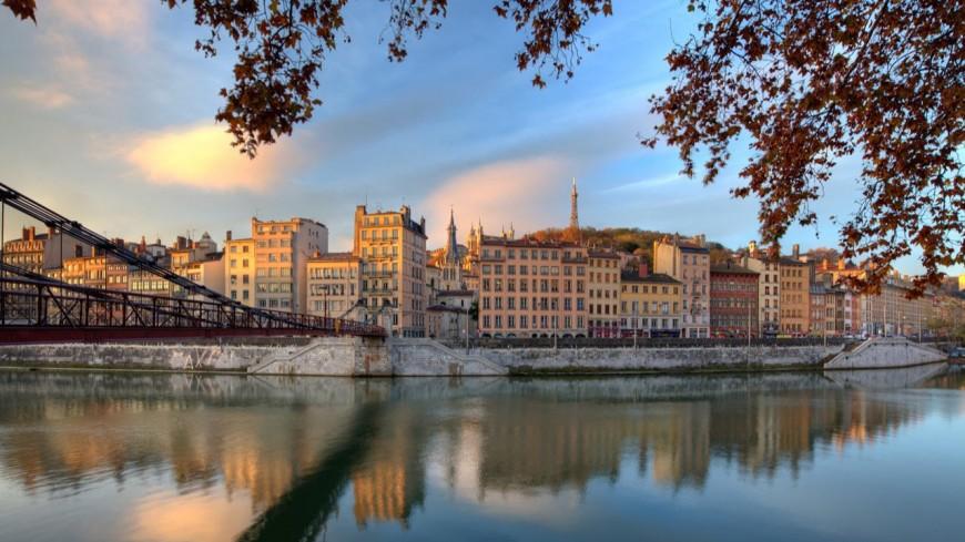Visite : La Saône , ses quais, ses ponts, ses monuments, son histoire…