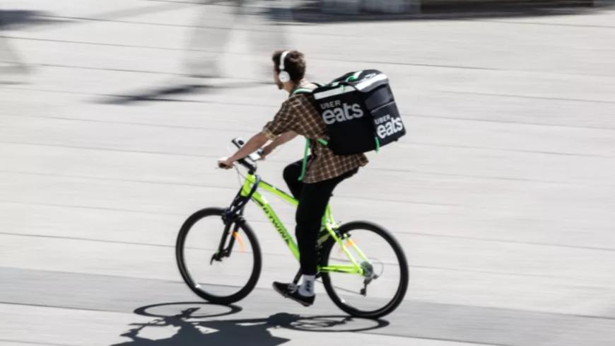 Uber Eats va désormais livrer de l'alcool à domicile