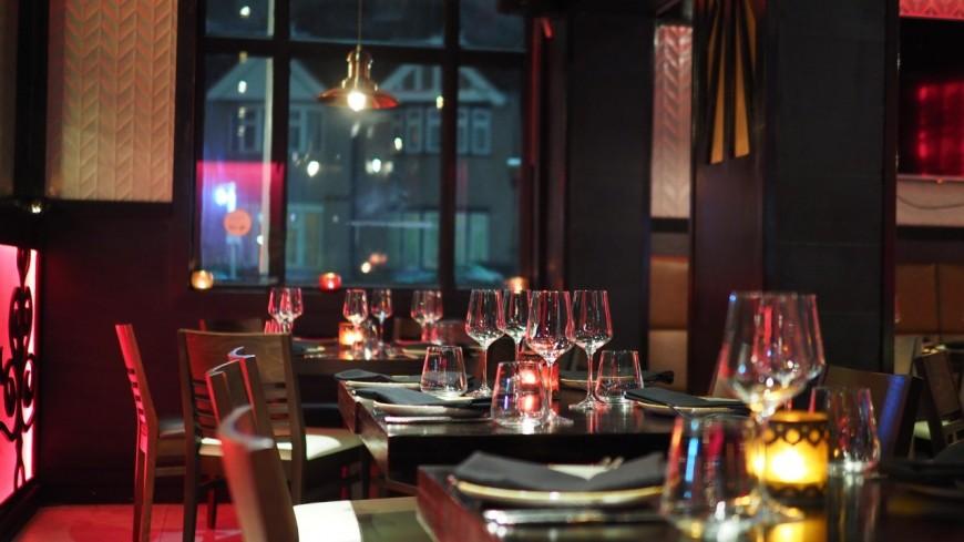 Réouverture des bars et restaurants : Bruno Le Maire refuse de donner un calendrier