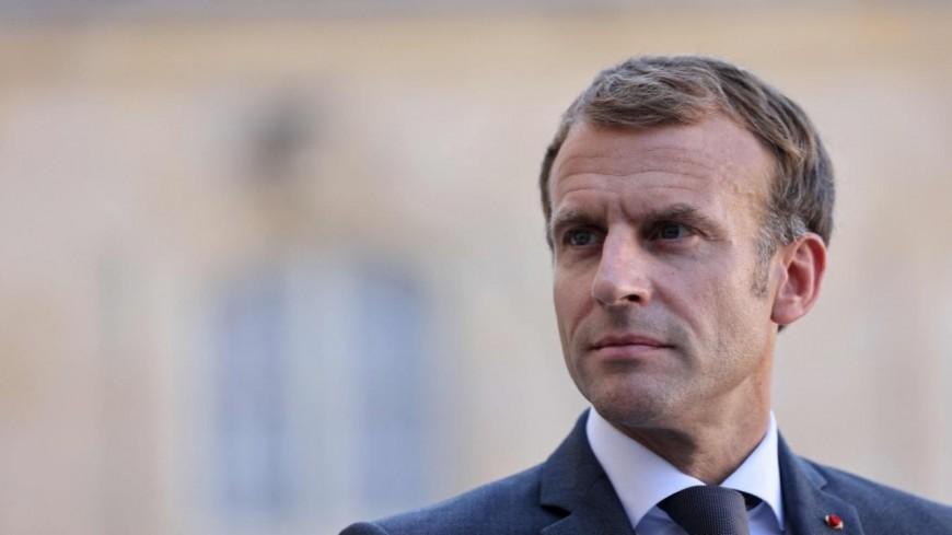 Un individu jette un oeuf sur Emmanuel Macron lors de sa visite à Lyon !